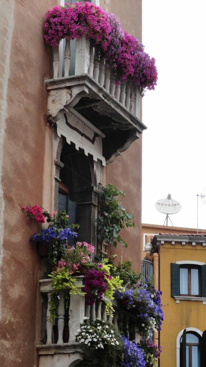 balkon-blumen-retro-look