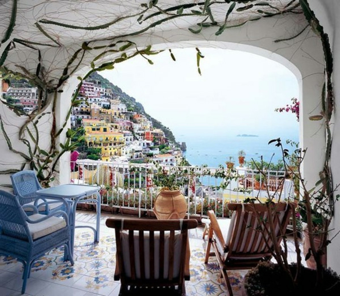 balkon-dekoration-interessante-überdachung