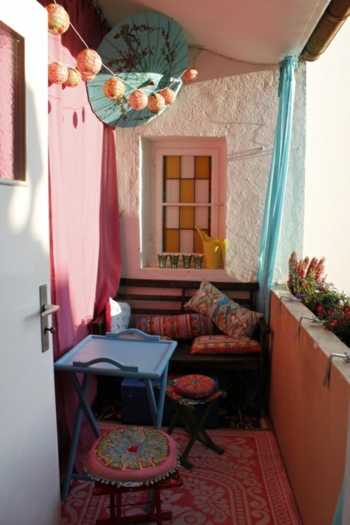balkon-dekoration-kleine-gemütliche-gestaltung