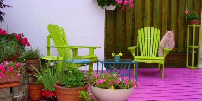 balkon-dekoration-rosiger-teppich