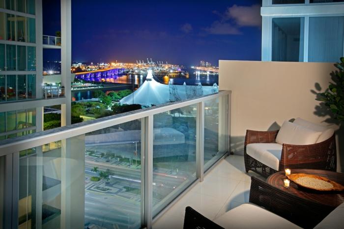 balkon-dekoration-sehr-modernes-aussehen