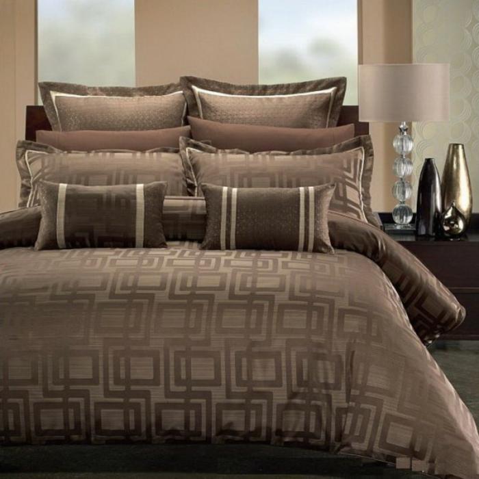 bettwäsche-in-braun-schlafzimmer-modell