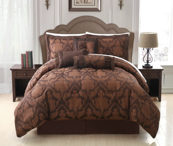 bettwäsche-in-braun-sehr-schönes-schlafzimmer