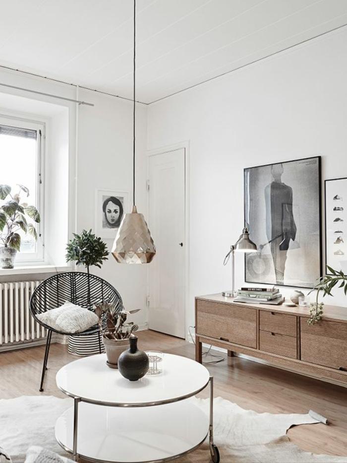 dekoration-im-wohnzimmer-großes-bild-an-der-wand