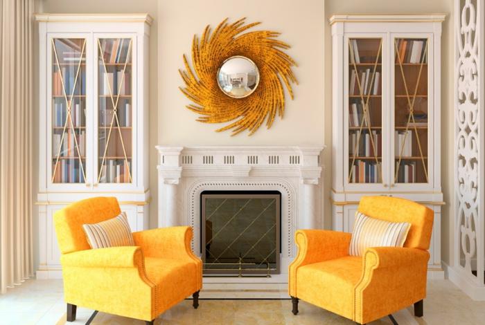 dekoration-im-wohnzimmer-zwei-orange-sessel