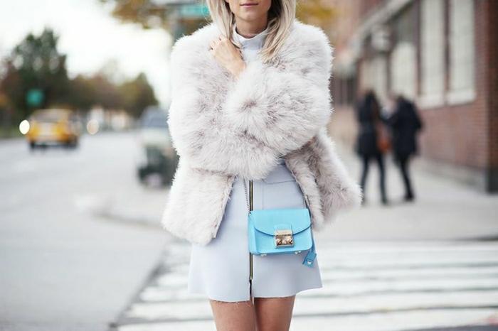 elegante-Kleidung-blaue-Mini-Tasche-Furla