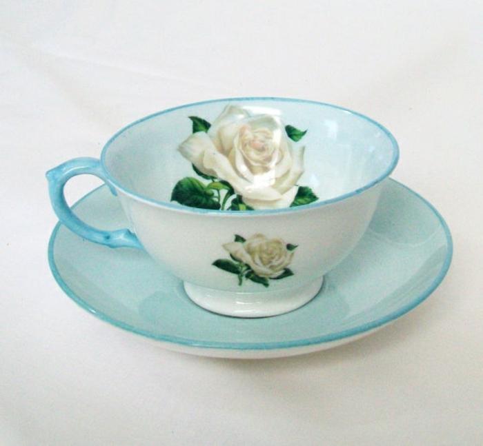 englisches-porzellan-blaue-tasse