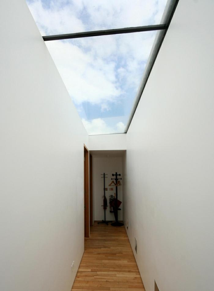 glasswand-terrasse-interessante-weiße-wände