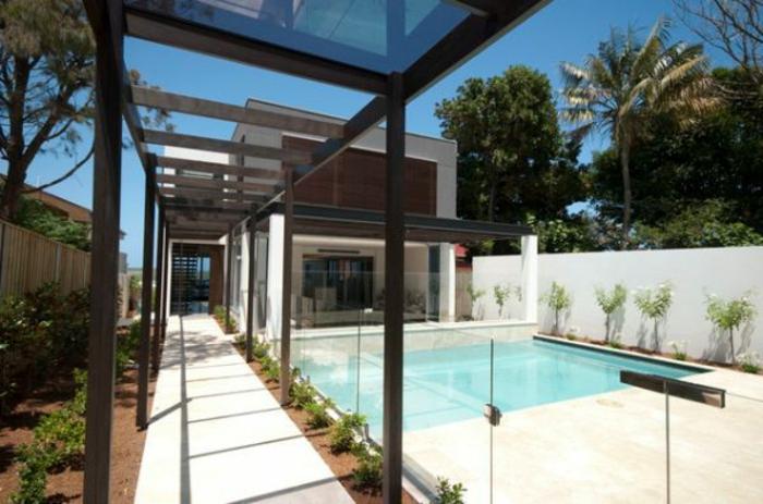 glasswand-terrasse-modernes-design-schwimmbad