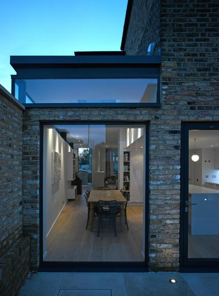 glasswand-terrasse-steinwand