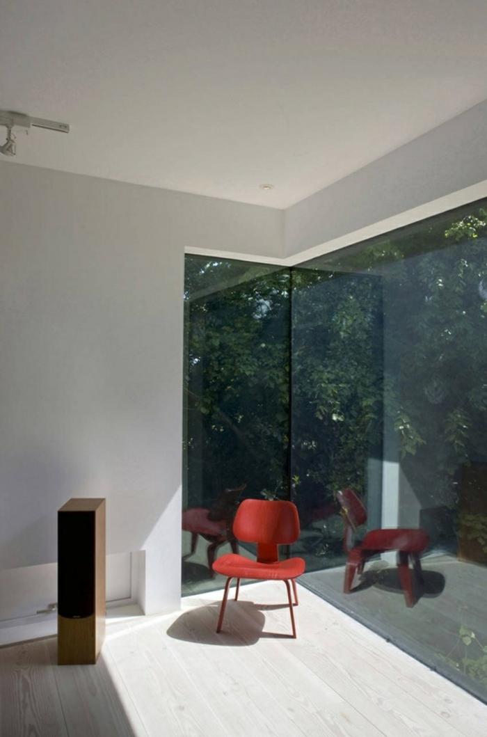 glasswand-terrasse-weiß-und-minimalistisch