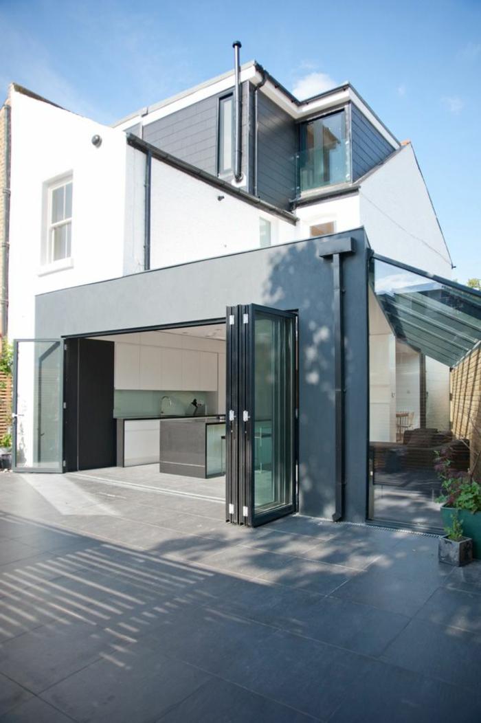 glasswand-terrasse-weiß-und-modern
