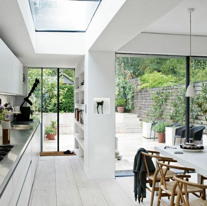 glasswand-terrasse-weiße-wände