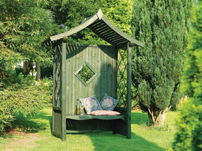 grüne-Garten-Laube-Bank-Kissen-Dach-Gitter