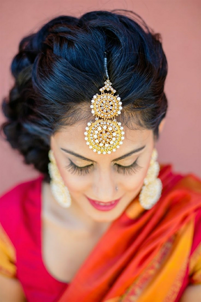 Hairstyle for short hair indian bride