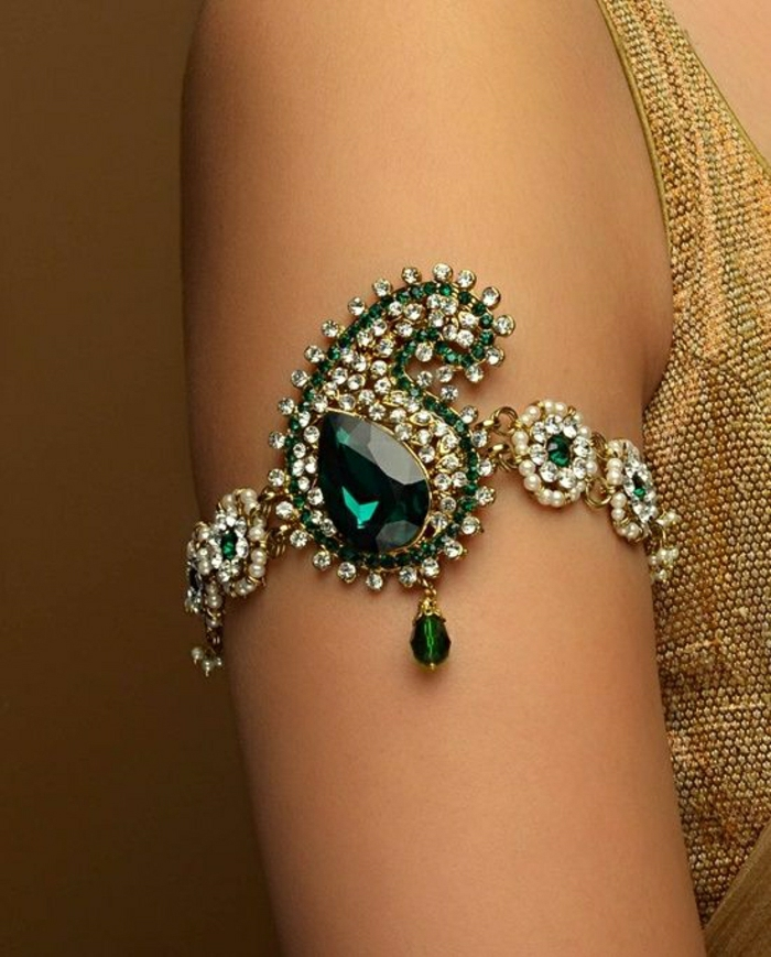 indischer-Schmuck-Armband-grüner-Stein