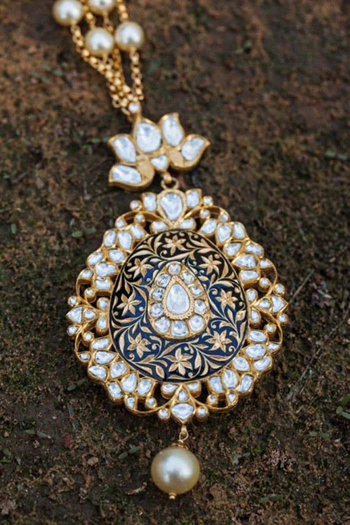 indischer-Schmuck-Kette-golden-Kristalle