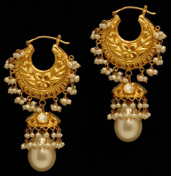 indischer-Schmuck-goldene-Ohrringe-kleine-Perlen