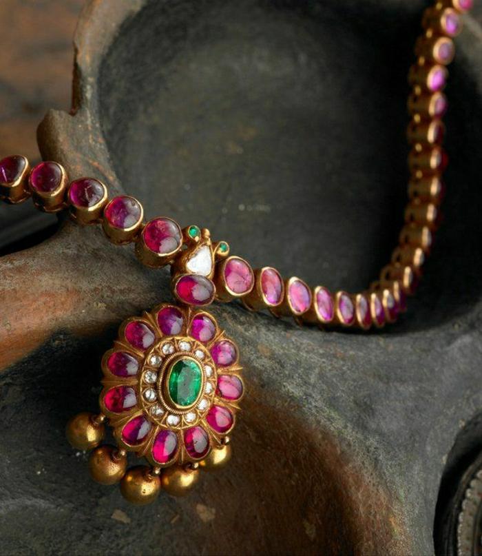 indischer-Schmuck-rosa-Kette-Kristalle-Steine