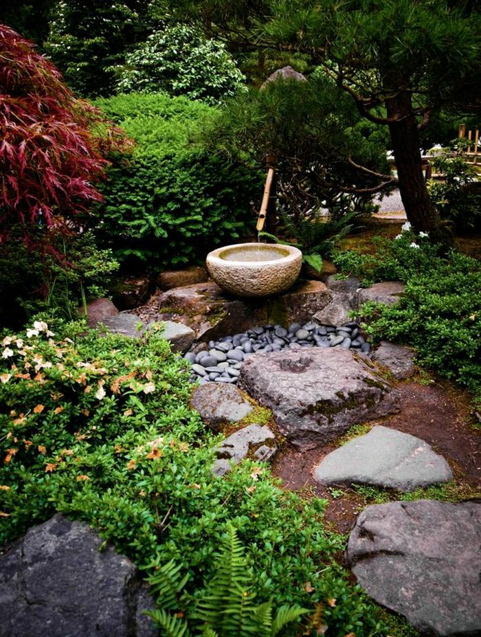 japanischer-Zen-Garten-Bambus-Brunnen-Pfad-Trittsteine