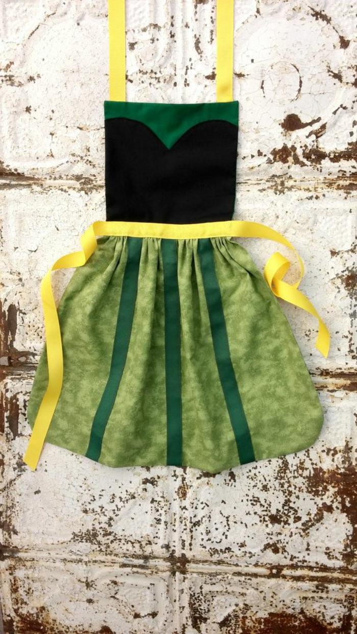 kinderschürze-nähen-grün-und-gelb-zusammenbringen