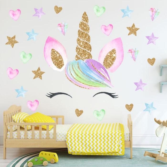 kinderzimmer deko mädchen, wandeko mädchenzimmer, farbnfroher wansticker einhorn