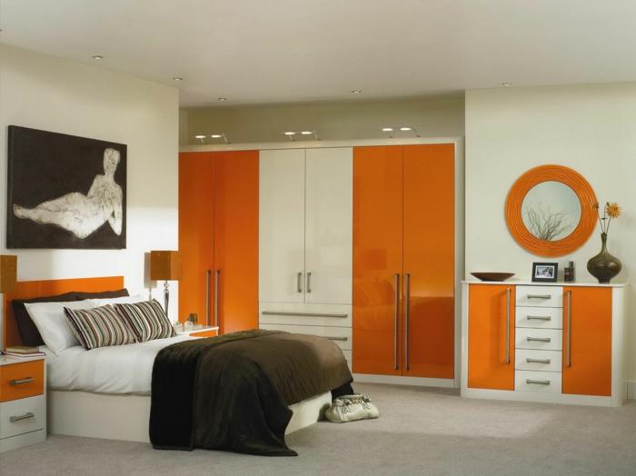 kleine wohnung einrichten - kleiderschränke in weiß und orange