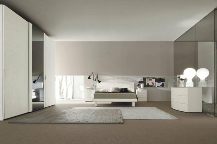 komplettes-Schlafzimmer-großer-Kleiderschrank-weiße-Möbel