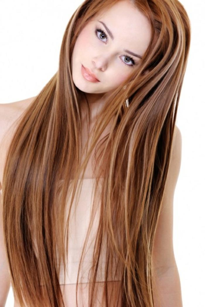 lange-glatte-haare-herrliche-frisur