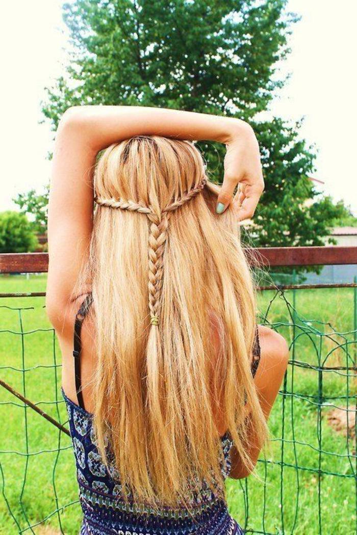 lange-glatte-haare-interessante-blonde-haare