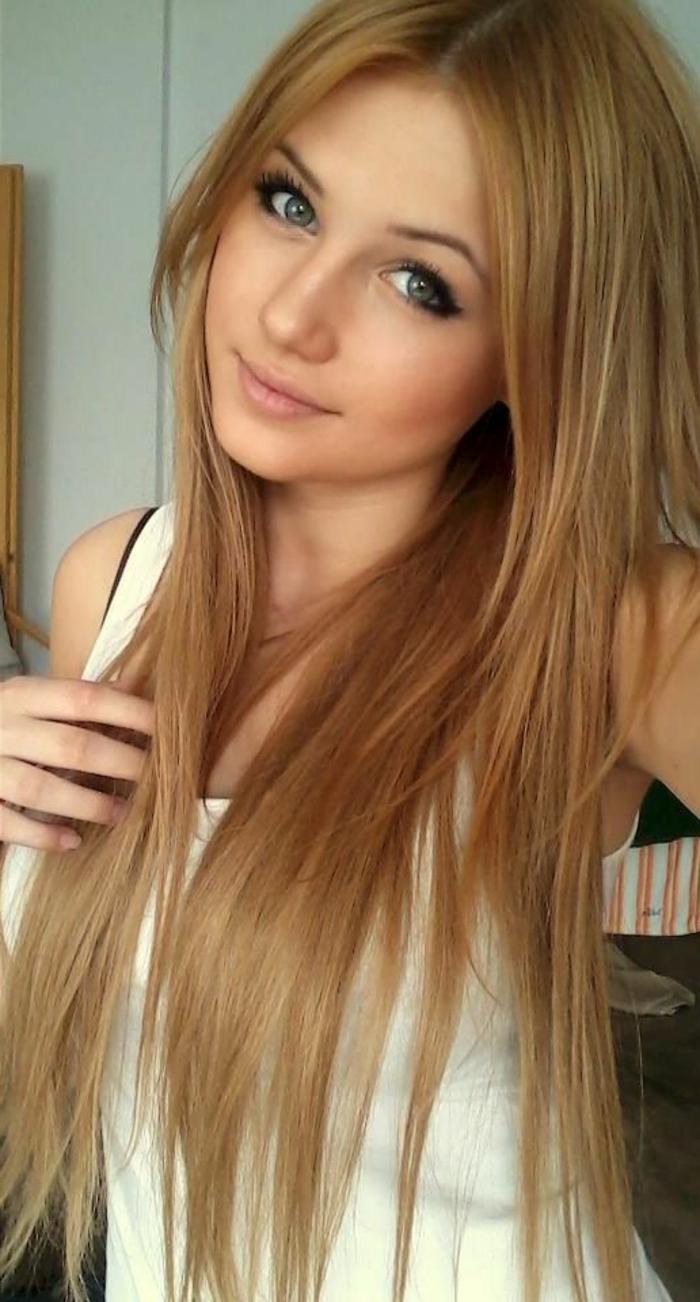 Junge Blonde Haare