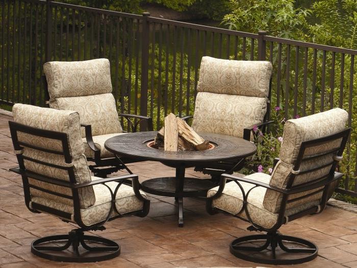 loungemöbel -für-balkon-4-rund-tisch