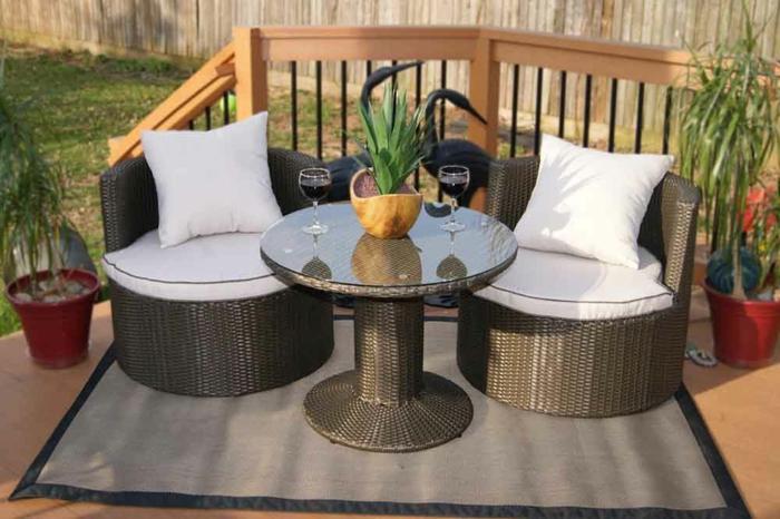loungem bel f r kleinen balkon die neuesten innenarchitekturideen. Black Bedroom Furniture Sets. Home Design Ideas