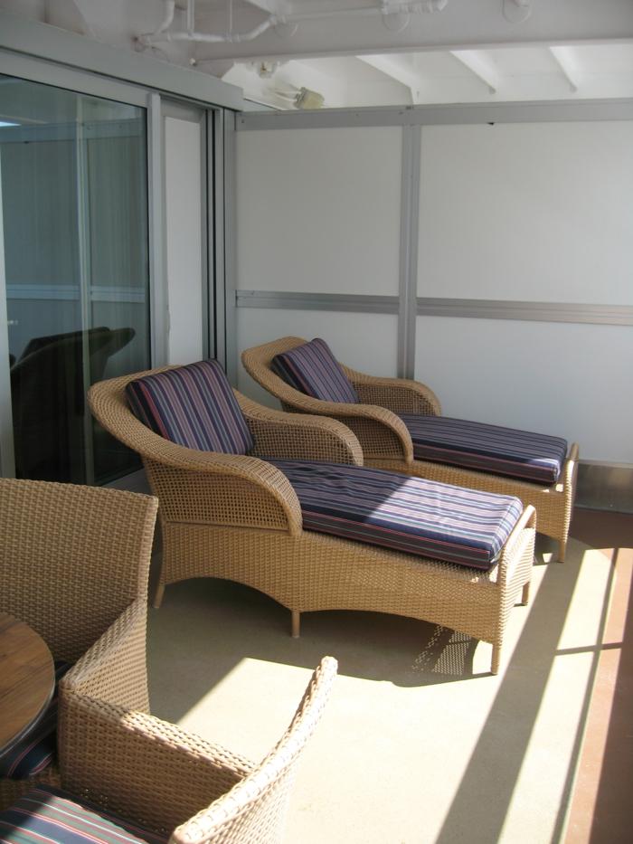 loungemöbel -für-balkon-liegesessel-und-stühle