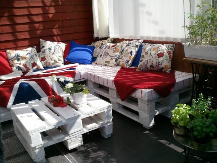 Loungembel fr kleinen balkon latest awesome perfect for Europaletten loungemobel