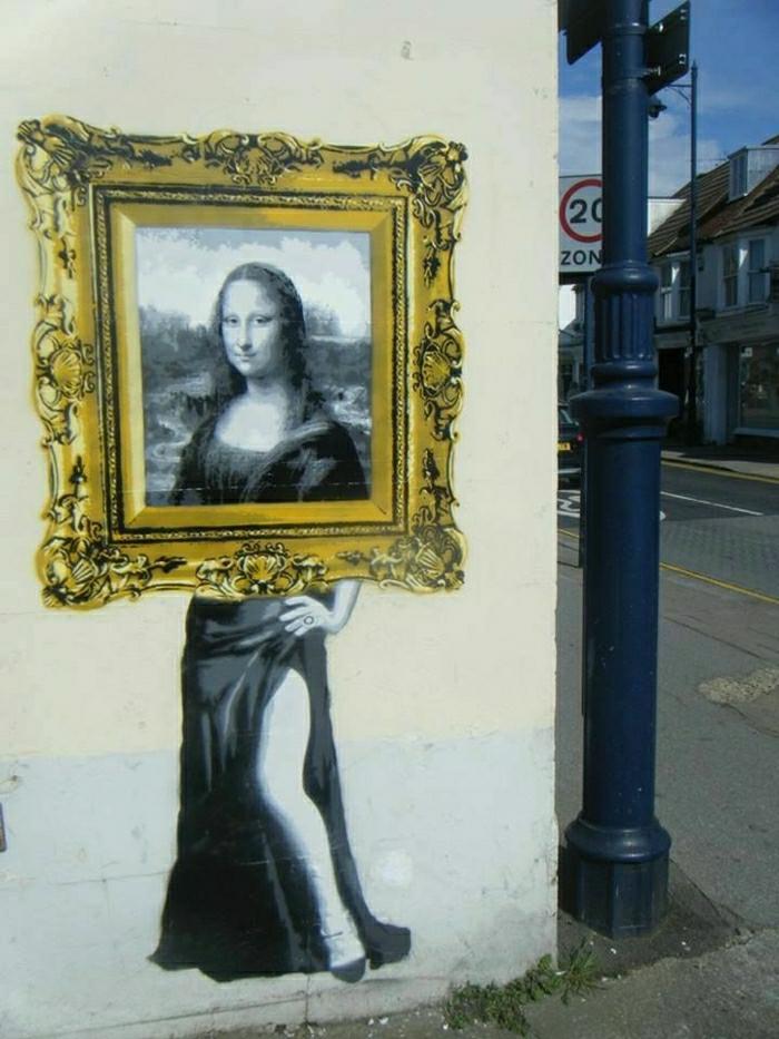 lustige-Graffiti-Mona-Lisa-Zeichnung-goldener-Bilderrahmen