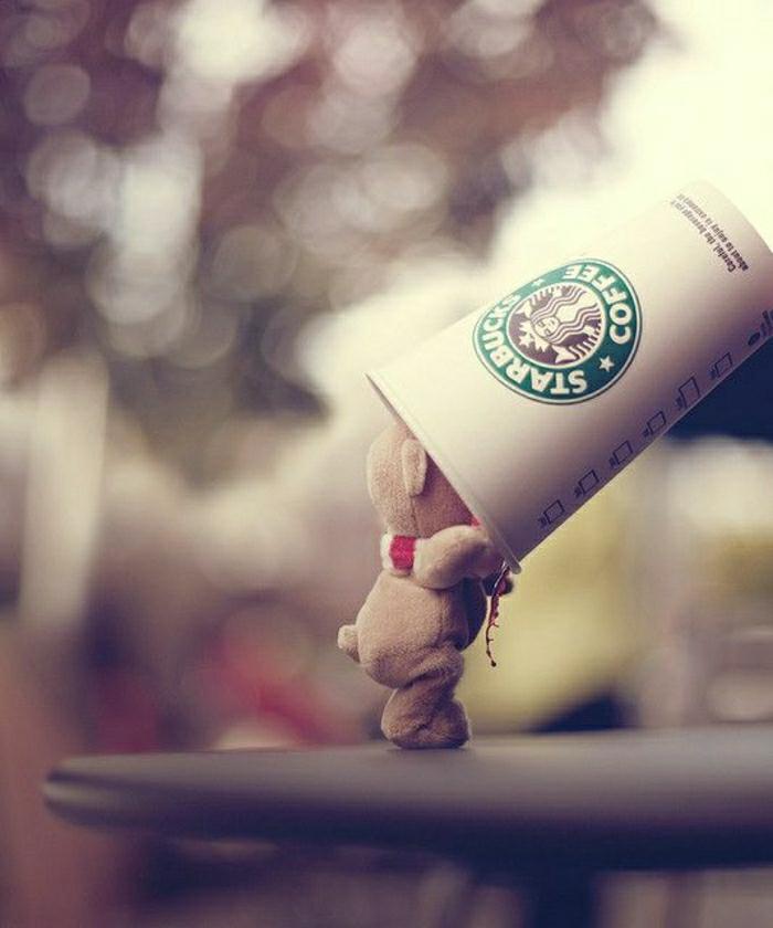 lustiges-Foto-Plüschtier-Papierbecher-Starbucks