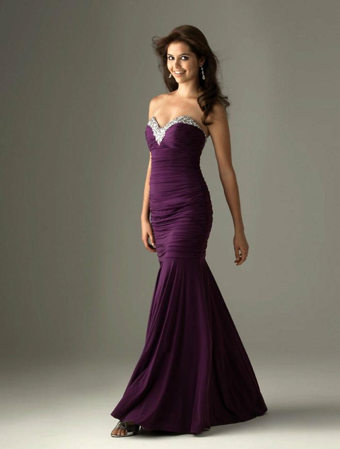 luxus-abendkleider-lila-modell