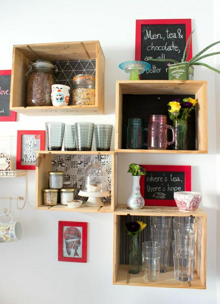 möbel-aus-paletten-Regal-aus-Weinkisten-Küchenregale-geschirr-Blumen