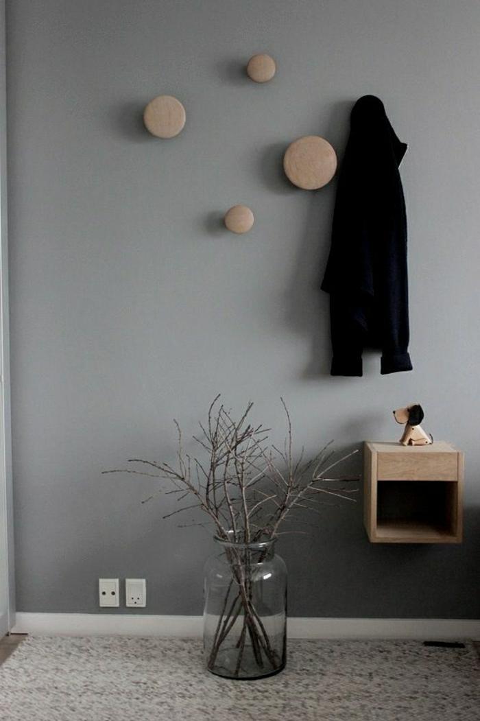 minimalistisches-Design-skandinavischer-Stil-runde-hölzerne-Kleiderhaken-asymetrisch
