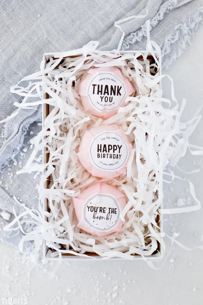 personalisierte geschenke freundin, badebomben selber machen, geschenkideen für damen, diy
