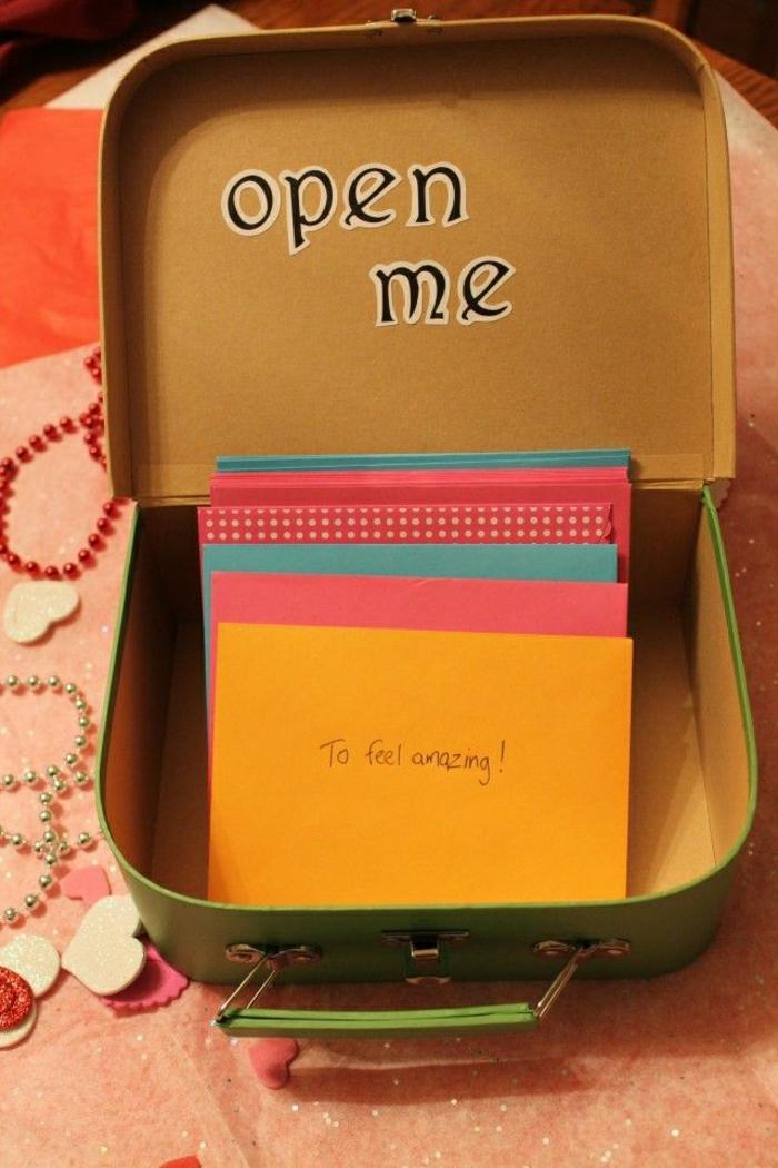 personalisiertes-Geschenk-spezielle-Schachtel-Briefe-für-Teenagers