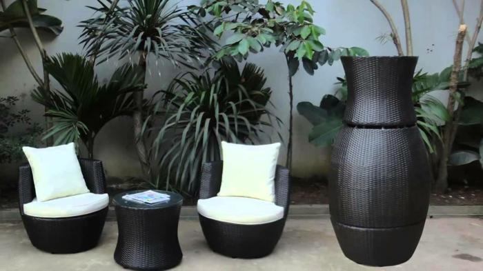 polyrattan-tisch-möbel-in-weiß-und-schwarz