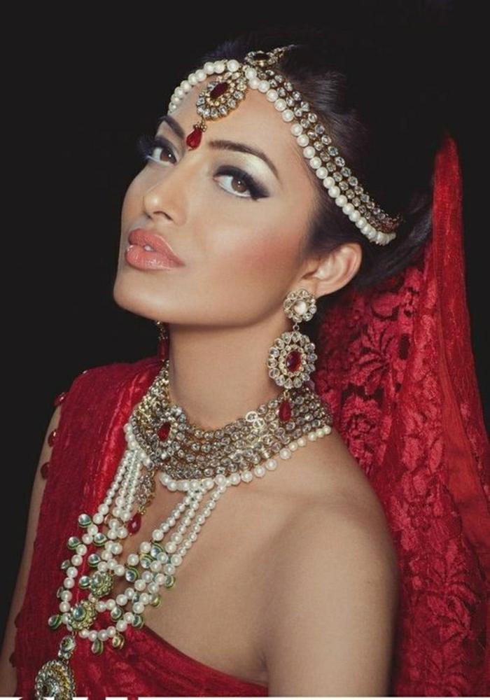 rote-Kleidung-Braut-Accessoires-indisch