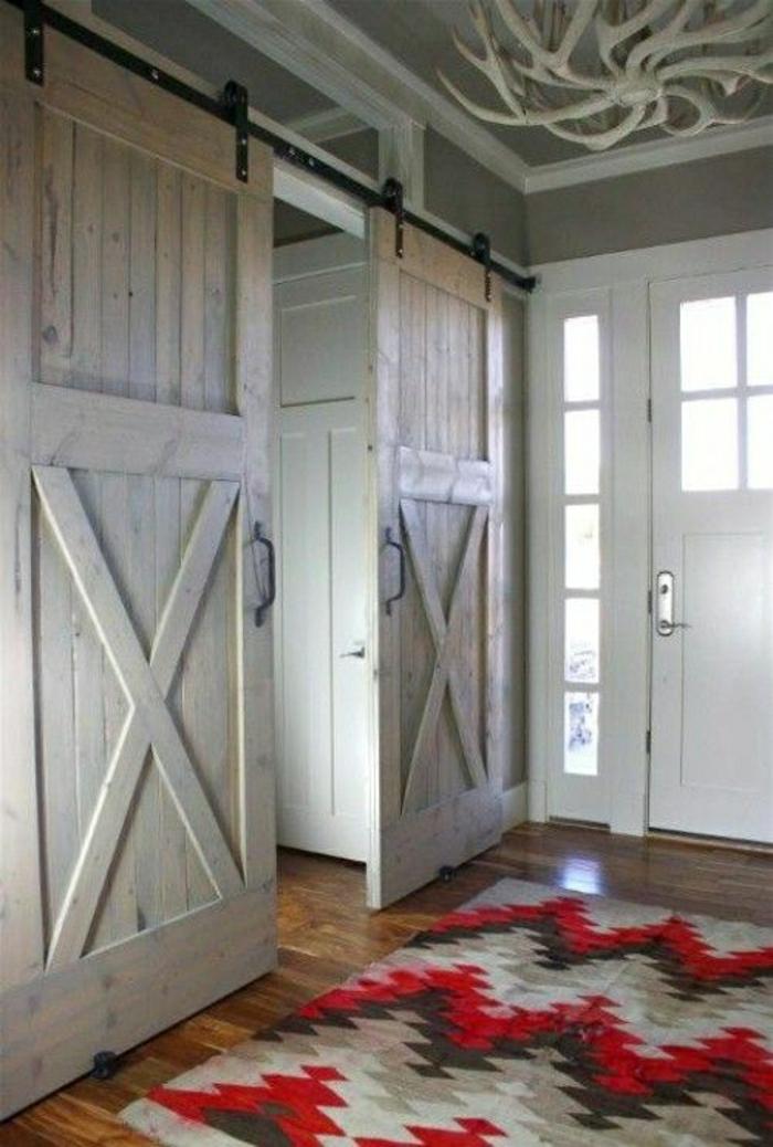 rustikale-Einrichtung-weiße-Türen-retro-Teppich
