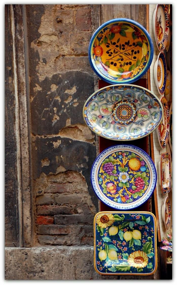 schöne-handgemalte-Keramikplatten-Siena-Italien