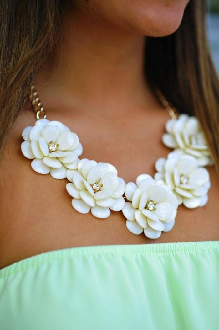 schöne-ketten-weiße-rosen
