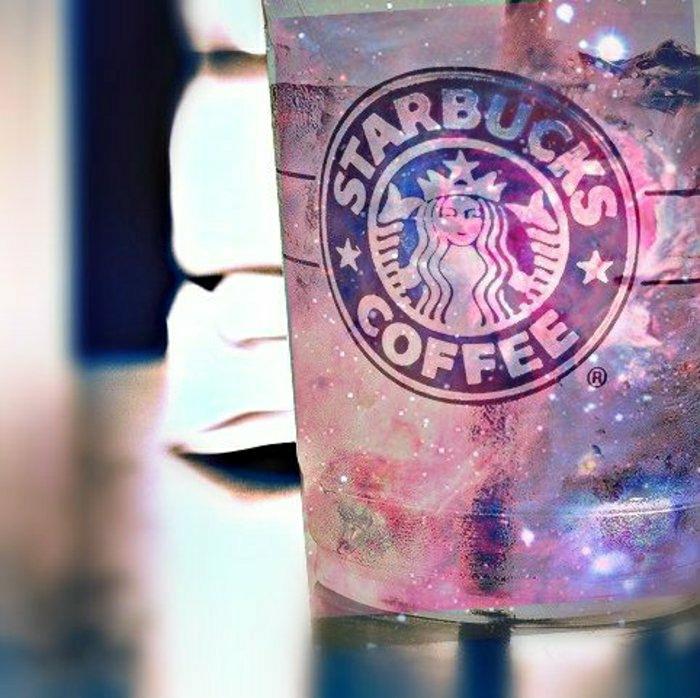 schöner-Becher-Starbucks-gefrorenes-Getränk-Eis