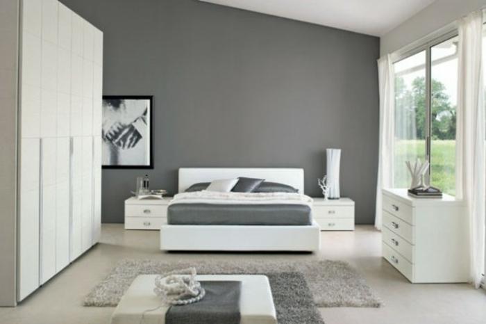 schlafzimmer-in-grau-großer-innenraum