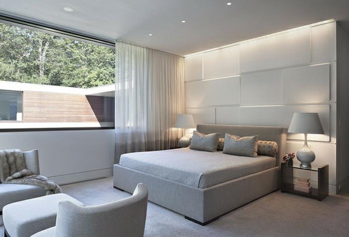 schlafzimmer-in-grau-indirtekte-beleuchtung
